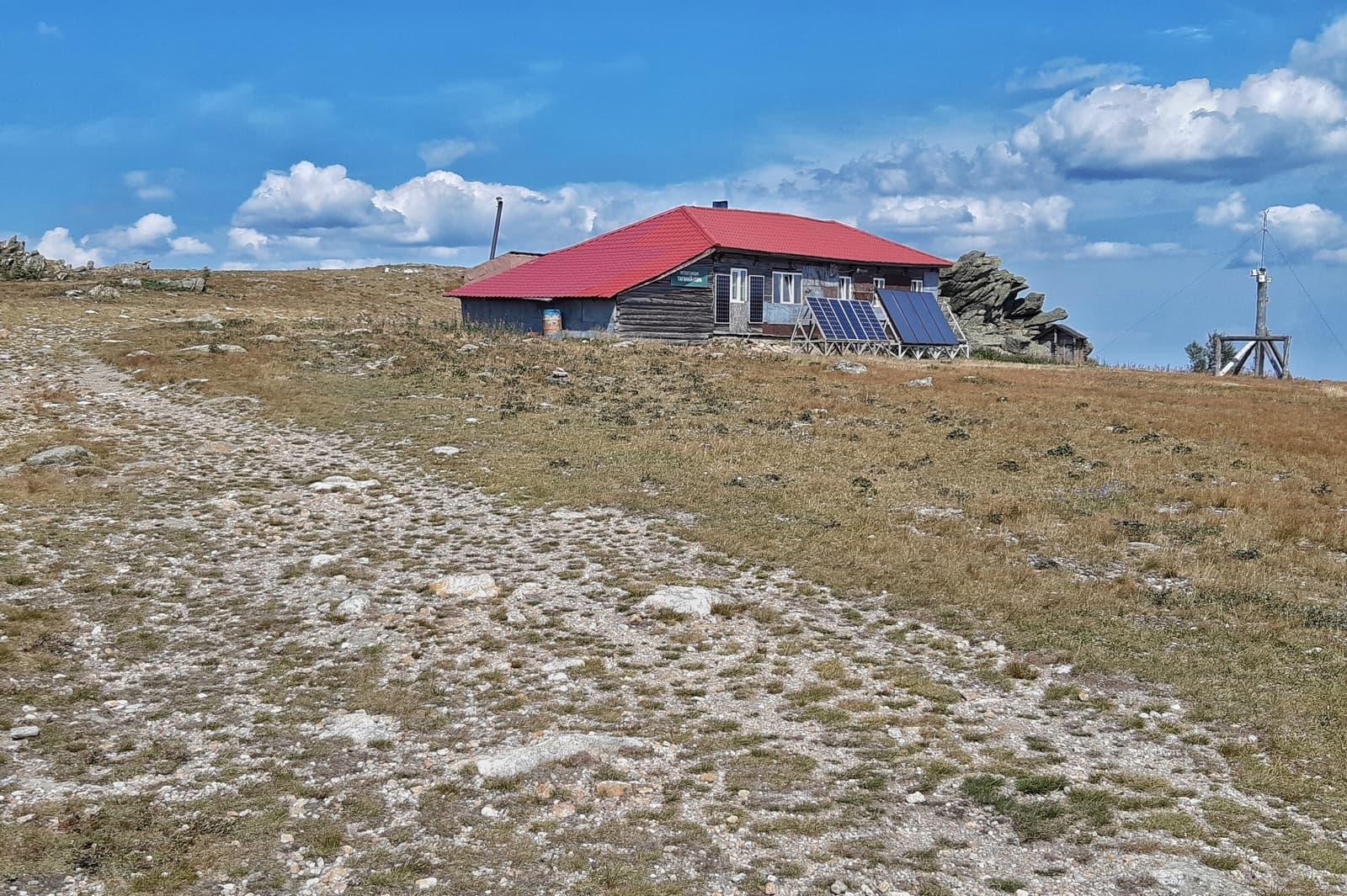 "Туристский приют ""Метеостанция"" на Таганае"