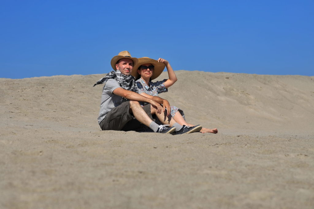 Фотосессия пары в пустыне
