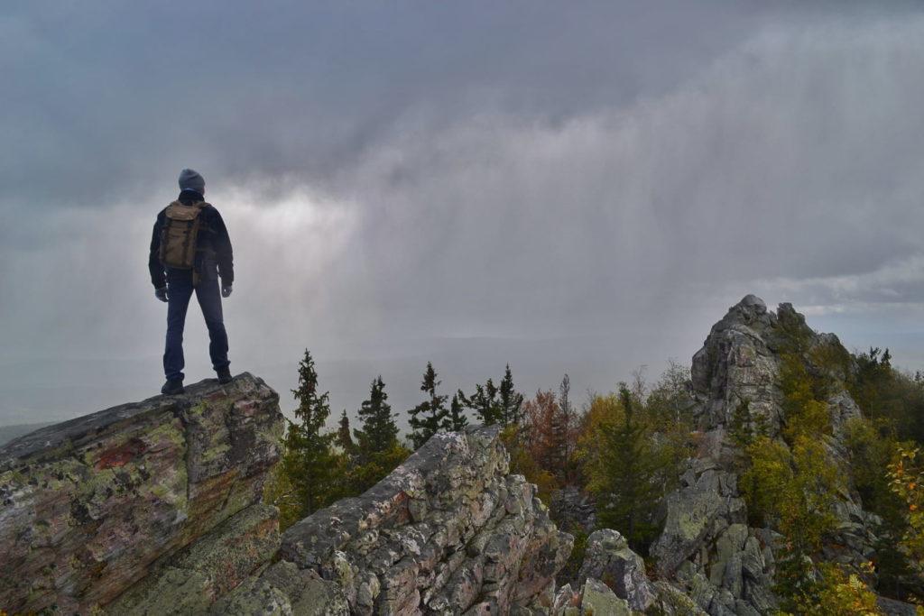 Александровская сопка, пасмурная погода на вершине